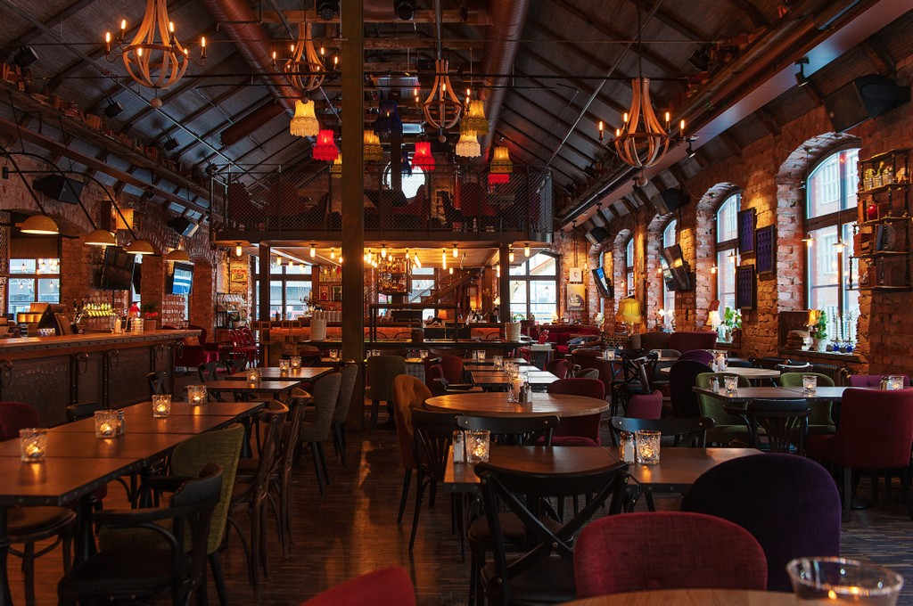 Lighting Tips To Improve Your Pub Atmosphere