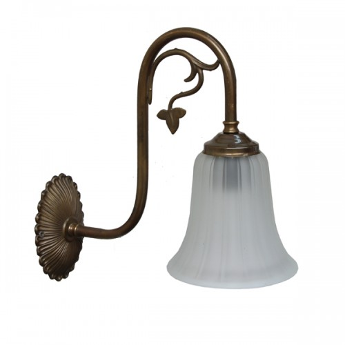 """Manufactured in Ireland, this traditional brass wall light comes complete with ridged bell glass shade."""